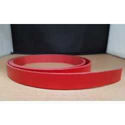 TIRA VAQUETILLA ROJO 1,5 cm  DE ANCHO Y 3 mm GROSOR